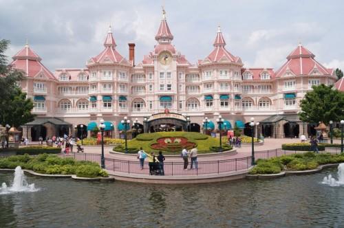 Вход в Disneyland Park