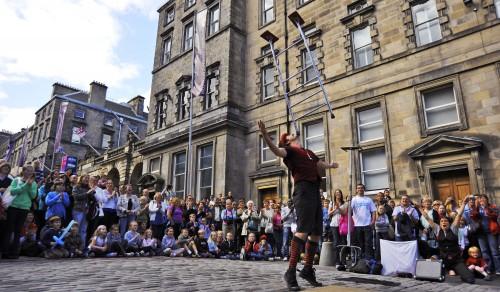 Комедия в Эдинбурге
