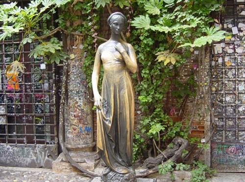 Статуя Джульетты (Верона, Италия)